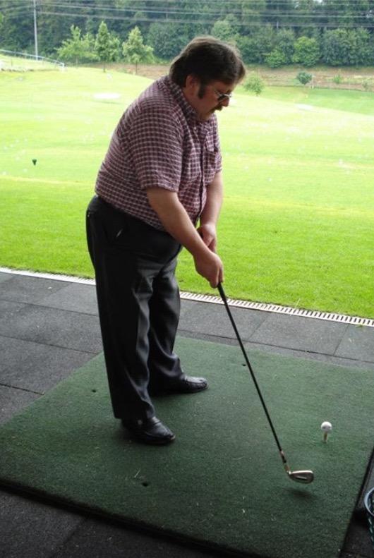 doktor armin ablondi beim golfen